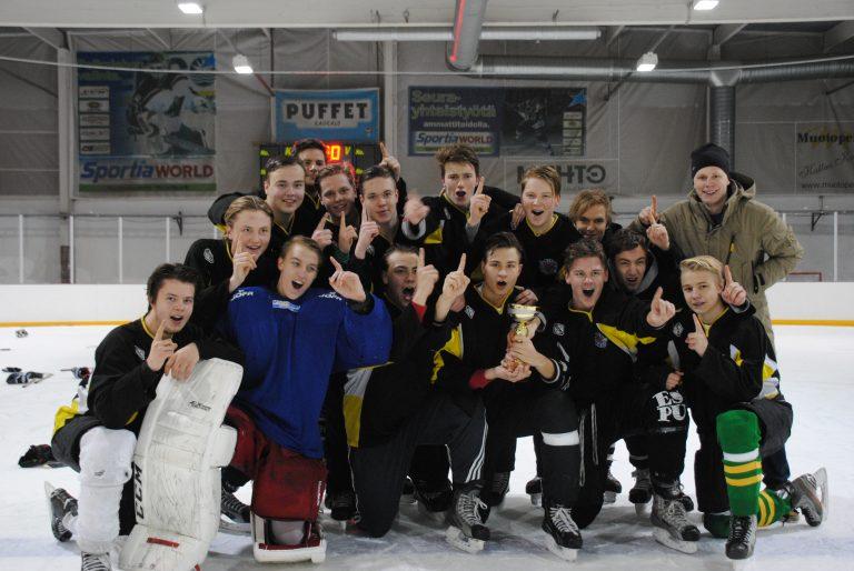 Etu-Töölön lukio koulukaukiksen mestariksi!